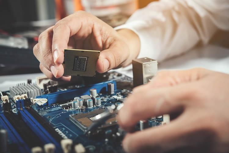 Serwis komputerów i laptopów oraz oprogramowania, usługi i wsparcie dla firm